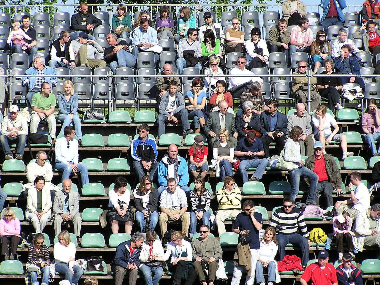 Sportowi fani jako jury